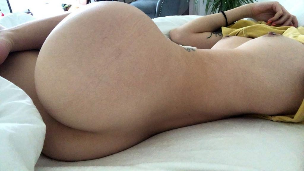 Playing My Chubby Pussy