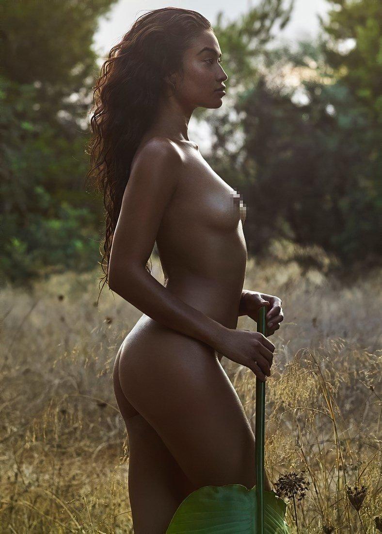 Shanina Shaik  nackt